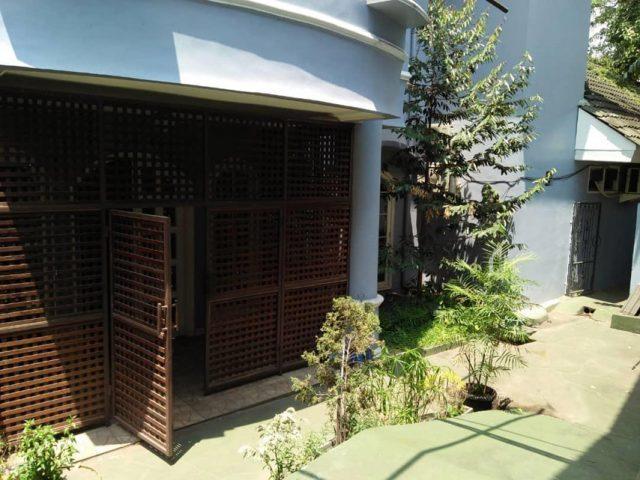 Dijual Rumah Mewah Plus Gudang di Cibubur (10)