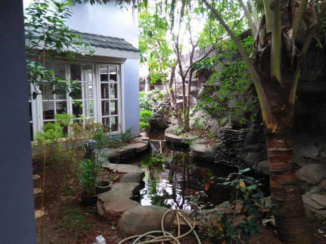 Dijual Rumah Mewah Plus Gudang di Cibubur (11)