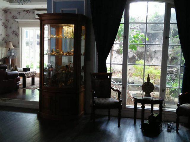 Dijual Rumah Mewah Plus Gudang di Cibubur (2)