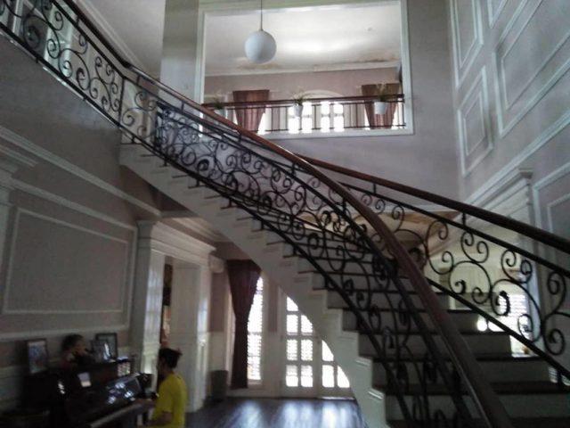 Dijual Rumah Mewah Plus Gudang di Cibubur (4)
