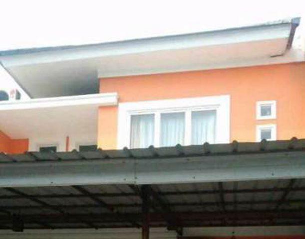 Rumah terawat siap huni di perumahan kota wisata (5)