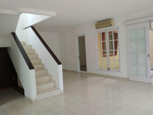 rumah baru renovasi siap pakai di perumahan kota wisata cibubur (2)