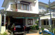 rumah dijual cepat 2 lantai terawat siap huni  di kota wisata cibubur | Hub Lidia : 0822 2136 0606