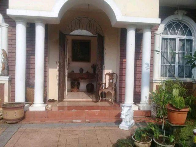 rumah mewah dalam cluster di kota wisata cibubur (4)