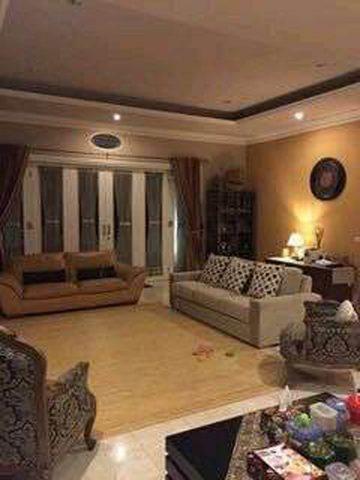 rumah mewah sudut di perumahan kota wisata cibubur (4)