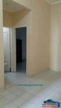 rumah minimalis terawat cocok buat pasangan muda di kota wisata cibubur | Hub Lidia : 0822 2136 0606