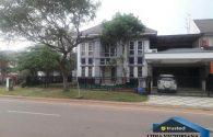 rumah posisi strategis di kota wisata cibubur | Hub Lidia : 0822 2136 0606