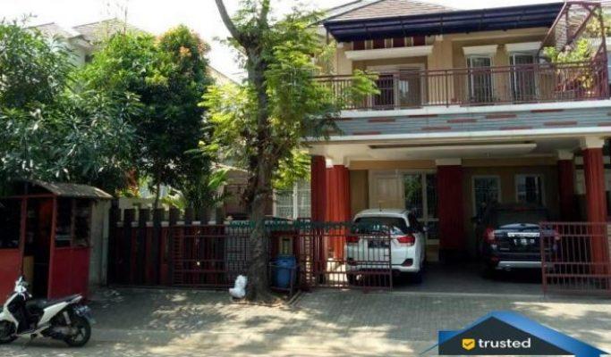 rumah siap huni 2 lantai terawat asri di kota wisata cibubur   Hub Lidia : 0822 2136 0606