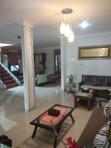 rumah siap huni 2 lantai terawat asri di kota wisata cibubur (3)