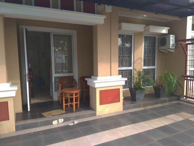 rumah siap huni 2 lantai terawat asri di kota wisata cibubur (5)