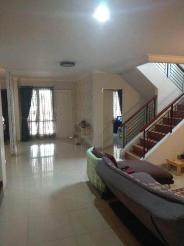 rumah siap huni 2 lantai terawat asri di kota wisata cibubur (8)